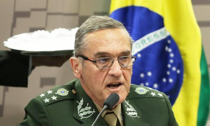 Comandante do Exército se diz 'muito preocupado' com incerteza sobre a intervenção