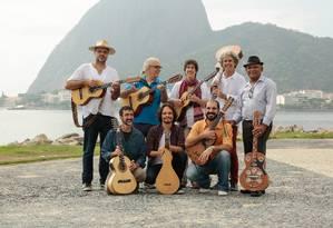 Músicos de diferentes partes da cidade participam do grupo Foto: Brenno Carvalho / Agência O Globo