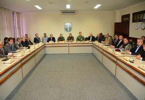 Autoridades reunidas com General Braga Netto Foto: Divulgação