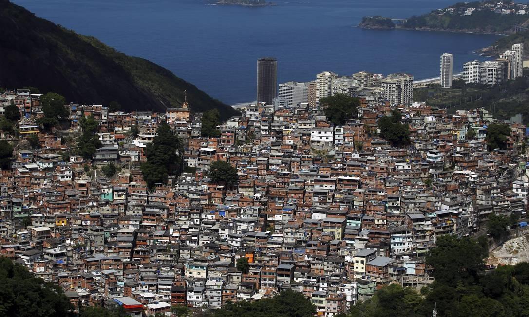 PCC chega à Rocinha e Estado do Rio ganha mais um inimigo (Arquivo) Foto: Custódio Coimbra / Agência O Globo