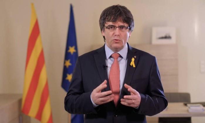 Puigdemont renuncia a ser presidente da Catalunha