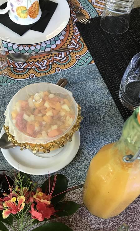 Em Boipeba, parte da mesa de um café da manhã completíssimo na Pousada da Cris e Paulo. Foto: Léa Cristina / Léa Cristina