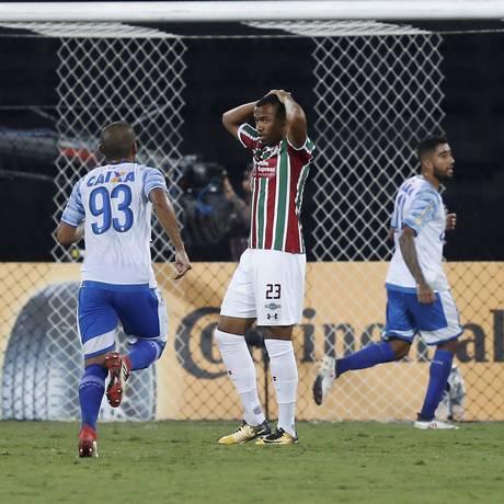 Fluminense perdeu de virada para o Avaí no Nilton Santos Foto: Marcelo Theobald / Agência O Globo