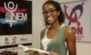 Felicidade. Diana Conrado, de 21 anos, quer ser advogada tributarista Foto: Fábio Guimarães / Agência O Globo