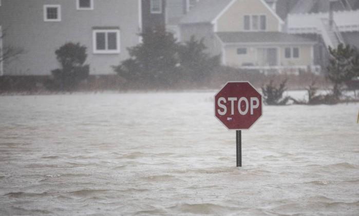 Tempestade de inverno que atinge nordeste dos EUA deixa 5 mortos