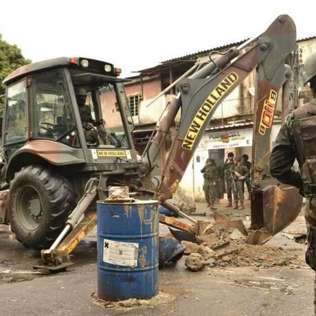 Militares desobstruíram dez vias em São Gonçalo Foto: Divulgação