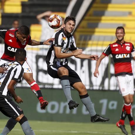 Flamengo e Botafogo em foto de arquivo Foto: Marcelo Theobald / Agência O Globo