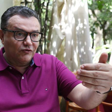 O presidente nacional do PSB, Carlos Siqueira, durante entrevista. Foto: Givaldo Barbosa/Agência O Globo Foto: Givaldo Barbosa / Agência O Globo