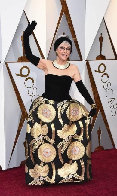 A atriz Rita Moreno usou o mesmo vestido com o qual conquistou a estatueta de melhor atriz coadjuvante em 1962 Jordan Strauss / Jordan Strauss/Invision/AP