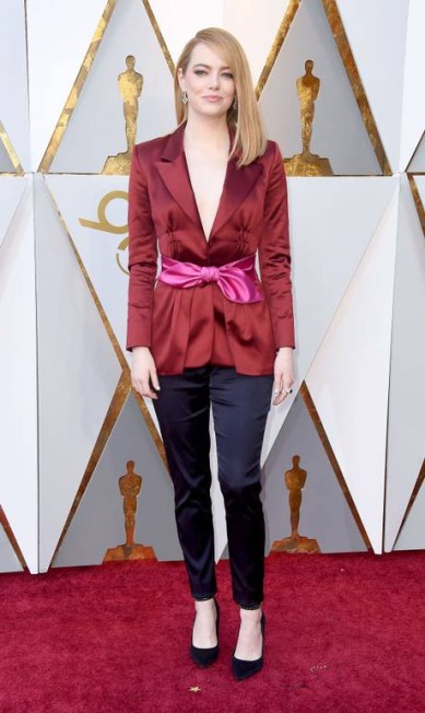 A atriz Emma Stone ousou ao escolher a calça no lugar do vestido Getty Images