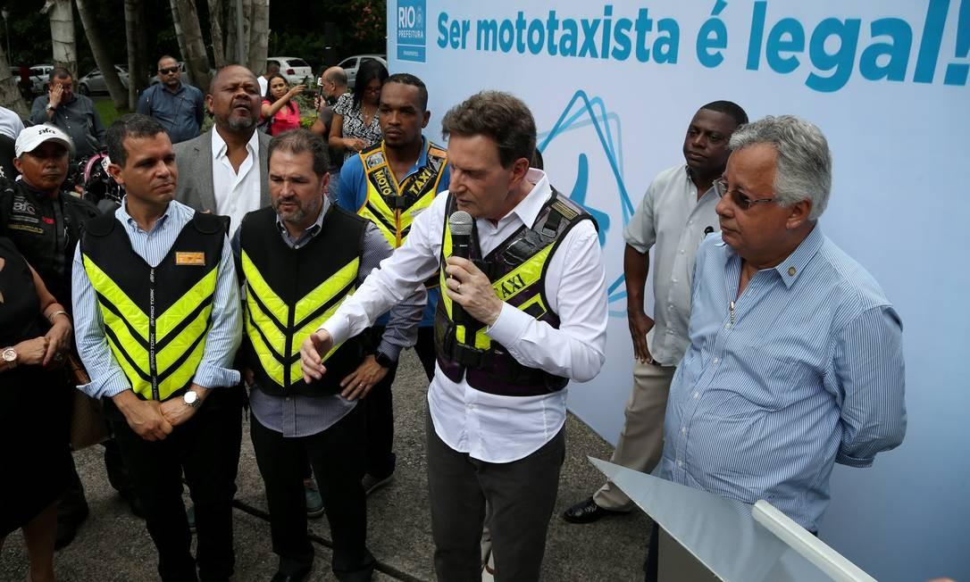 Decreto regulamenta atividade de mototaxista no Rio - Jornal O Globo a1919ef3ac6b7