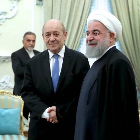Chanceler francês, Jean-Yves Le Drian, e presidente iraniano, Hassan Rouhani, durante encontro em Teerã Foto: HANDOUT / REUTERS