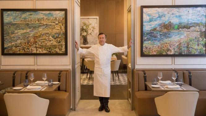 O chef francês Daniel Boulud, em seu restaurante Boulud Sud, em Miami Foto: Vik Muniz