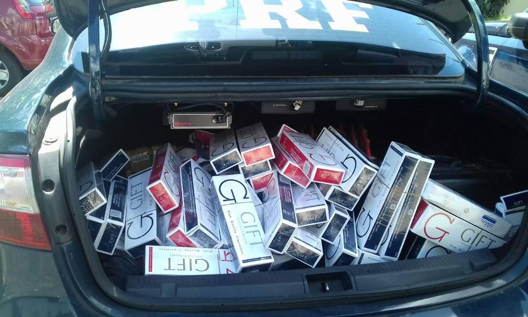 Carga de cigarros encontrada em posse de suspeito na rodovia Foto: Divulgação/PRF