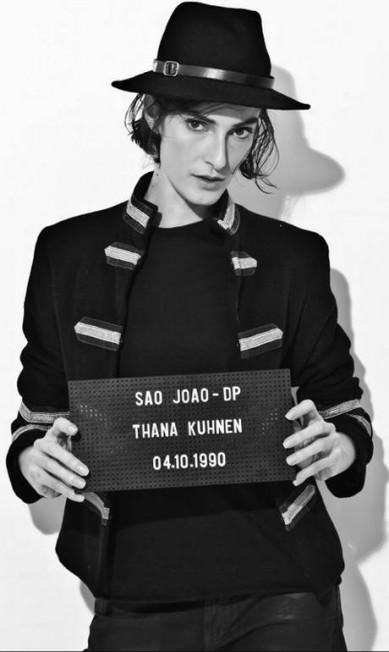 A modelo Thana Kuhnen Paulo Reis