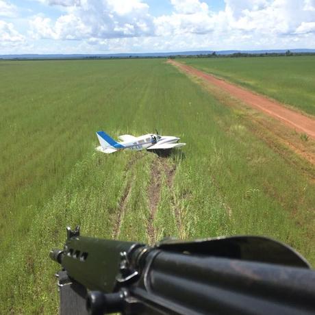 Aeronave bimotor com 500 kg de cocaína é interceptada Foto: Divulgação/FAB