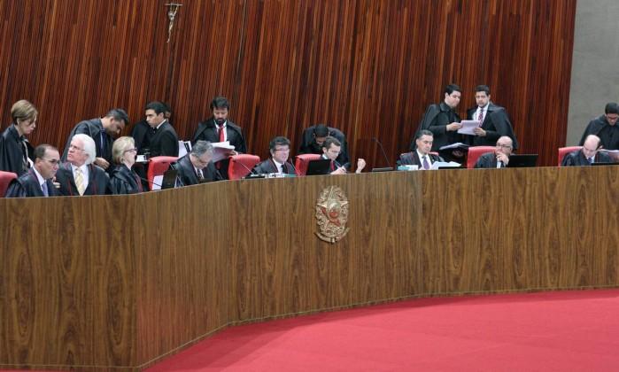 Eleições podem ser convocadas após cassação no TSE