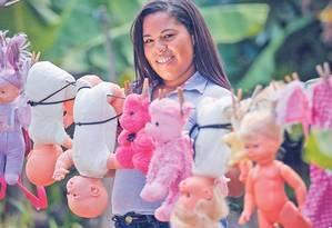 """""""Quando engravidei, parei de pensar como uma menina. Se pudesse voltar no tempo, não teria me casado cedo"""", diz Daniela dos Santos, que se 'juntou' aos 17 Foto: Marcos Alves"""