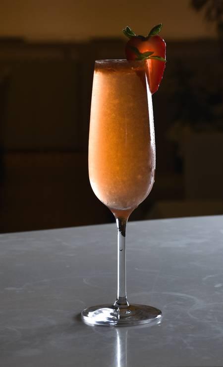 Da Bela. Além de um menu especial de três etapas (R$ 55), as mulheres vão ganhar um drinque de espumante com morangos e manjericão orgânicos. Av. das Américas 8585 (3609-3300) Foto: Divulgação