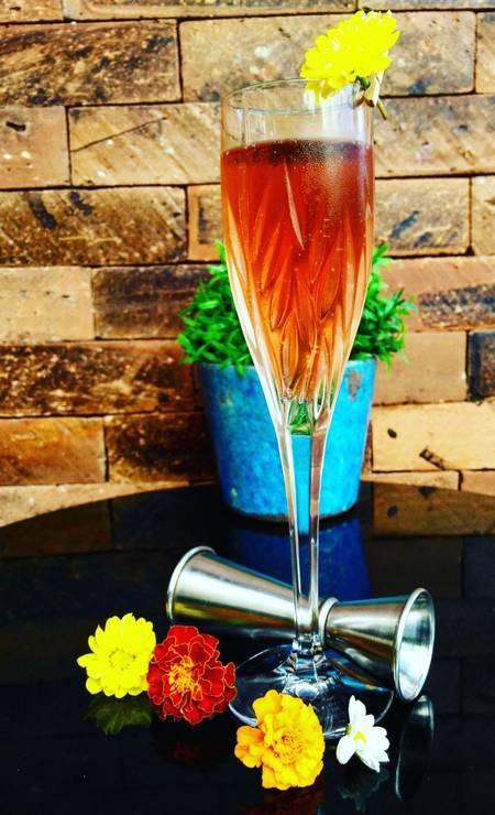 Hippopotamus. O 8 de março (R$ 40) será o drinque da festa para homenagear as mulheres. O coquetel é espumante rosé com redução de cranberry e especiarias e syrup de maçã verde. Rua Barão da Torre 368, Ipanema (3577-4102) Foto: Divulgação