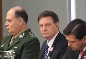 O prefeito do Rio, Marcelo Crivella, participa de reunião no Planalto sobre segurança pública Foto: Ailton de Freitas / Agência O Globo