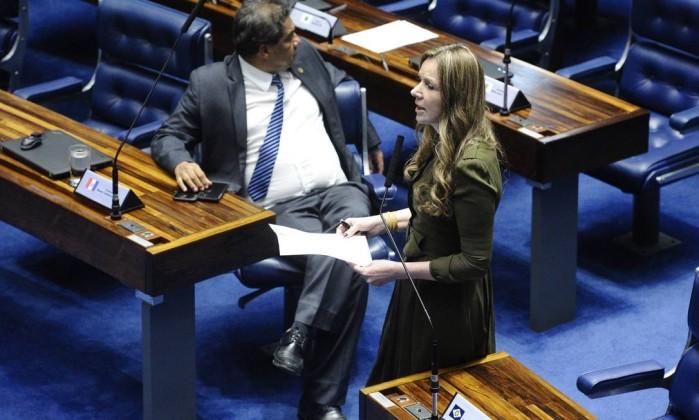 Descumprimento de medidas protetivas da Lei Maria da Penha vai dar cadeia