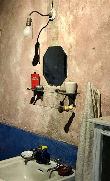 No banheiro, utensílios usados por Trotsky há quase 80 anos Foto: Léa Cristina / Léa Cristina