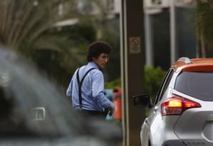 Mikael Tavares Medeiros, de 19 anos, que tem cargo no Ministério do Trabalho Foto: Michel Filho / Agência O Globo