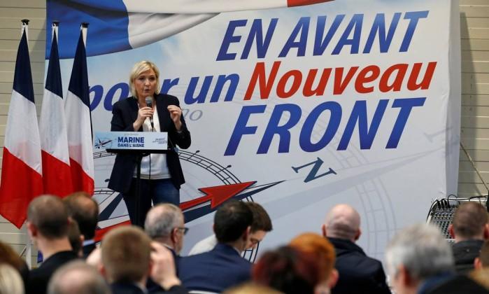 Frente Nacional debate crise existencial em congresso