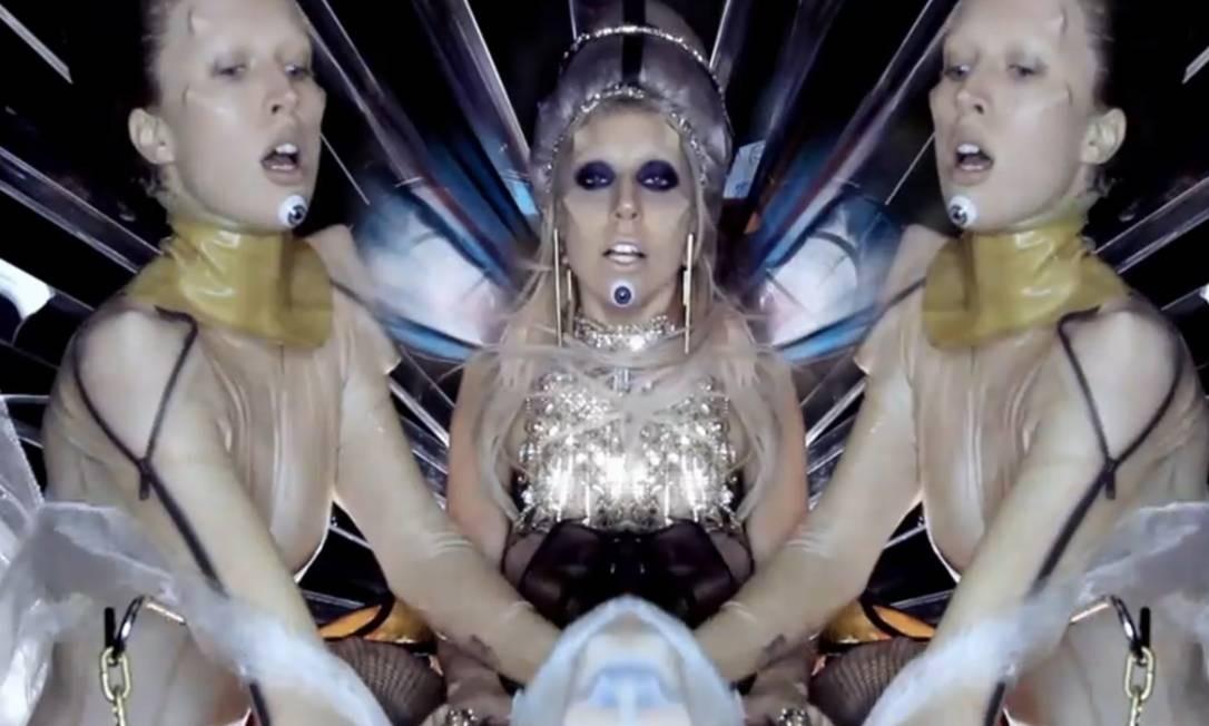 """Raquel participou do clipe """"Born this way"""", de Lady Gaga Reprodução"""