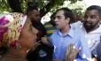 O secretário municipal de Conservação e Meio Ambiente, Jorge Felippe Neto, durante encontro com comerciantes da Vila Kennedy