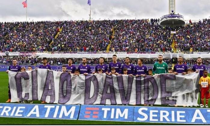 Fiorentina homenageia Astori no 1º jogo após tragédia, e brasileiro garante vitória