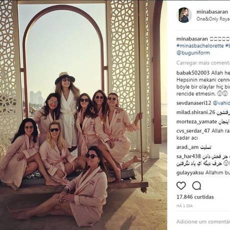 Amigas usaram o mesmo avião para ir para despedida de solteira de Mina Basaran, em Dubai, dias atrás Foto: Reprodução/Instagram/Mina Basaran