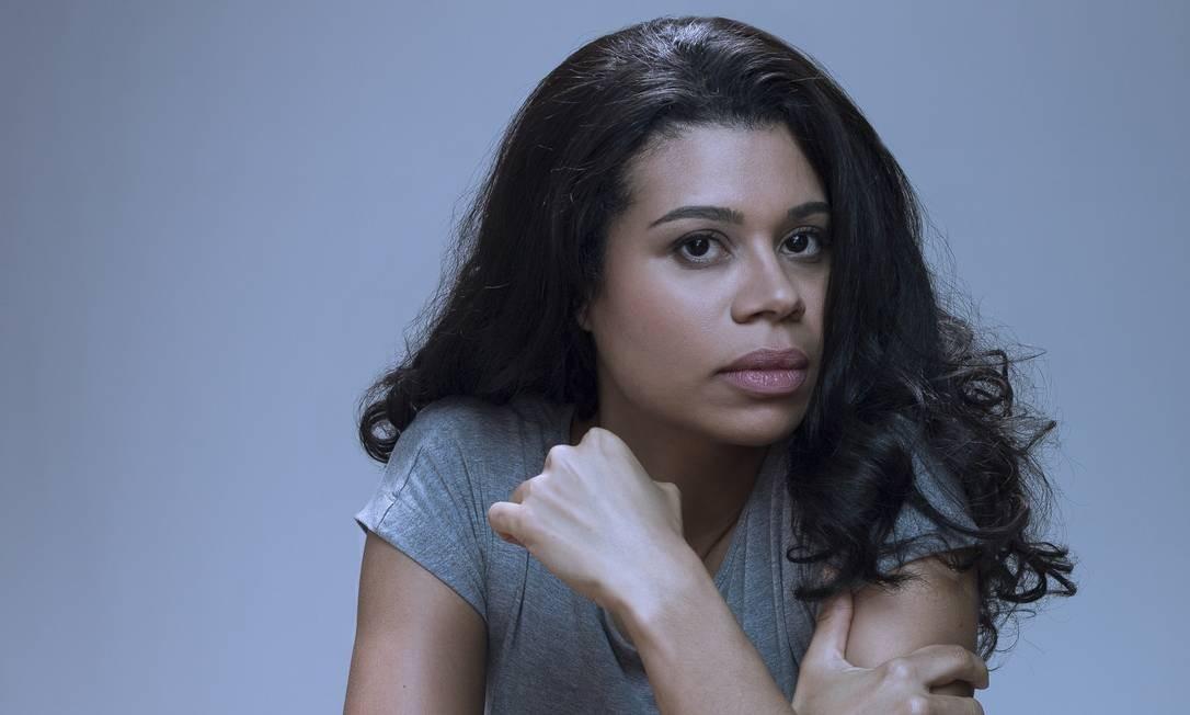 Ana Paula Maia: autora estreia pela Companhia das Letras com novo romance Foto: Rafael Dabul/Divulgaçao