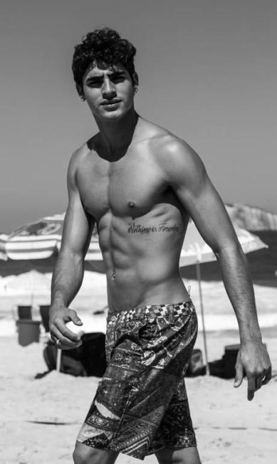 O modelo Jhona Burjack Jeff Segenreich