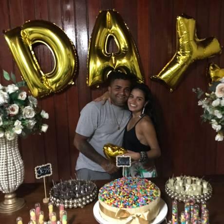 Foto: Arquivo pessoal / Matheus Melo com a namorada, Dayane Galdino, com quem pretendia noivar