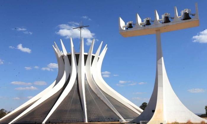 Pesquisa: 79% dos brasileiros dizem ser importante candidato acreditar em Deus