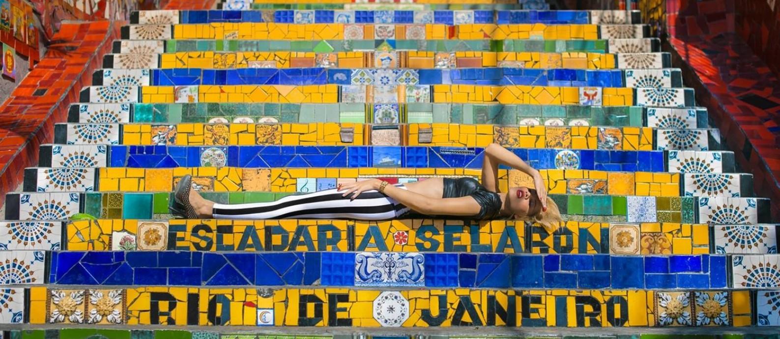 """Melissa Rodrigues, transgênero que deu origem à exposição """"M"""", em cartaz no Correios"""