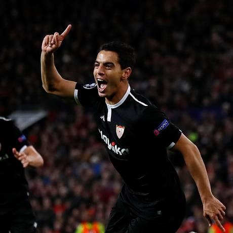 O francês Ben Yedder marcou os dois gols do Sevilla sobre o Manchester United Foto: JASON CAIRNDUFF / REUTERS