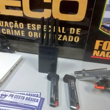 Bloqueador de celular foi apreendido durante ação na Baixada Foto: Divulgação / Polícia Civil