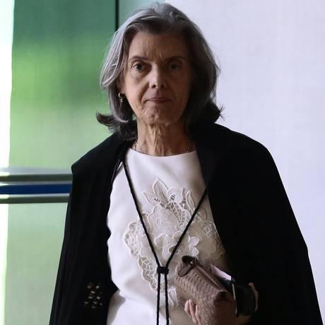 Cármen Lúcia, presidente do Supremo Tribunal Federal, chega para sessão Foto: Jorge William/Agência O Globo/01-03-2018