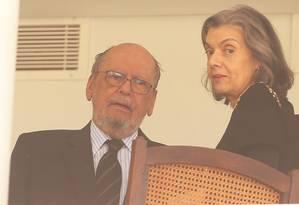 A presidente do STF, ministra Cármen Lúcia, se reúne com o advogado Sepúlveda Pertence Foto: Ailton de Freitas / Agência O Globo