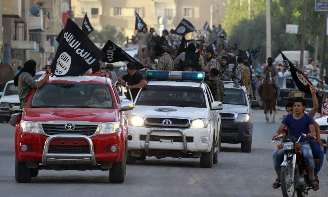 Em 2014, o Estado Islâmico conquista a cidade de Raqqa. É o início do autoproclamado califado do grupo, que se expande de maneira veloz e cria um estado de terror em várias cidades sírias e iraquianas Foto: Reuters