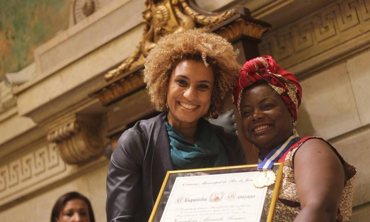 Marielle fez homenagem a Dona Dida, a criadora do Dida Bar, no Dia Internacional da Mulher Foto: Divulgação/PSOL