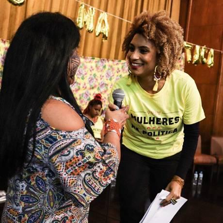 Marielle com a liderança indígena Sônia Guajajara em evento em prol da representatividade feminina na política Foto: Divulgação/PSOL