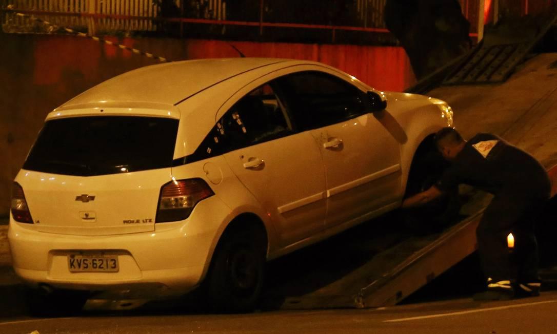 Veículo onde estava a vereadora, motorista e assessora. Marielle e Anderson não resistiram aos ferimentos Foto: Fabio Gonçalves / Agência O Globo