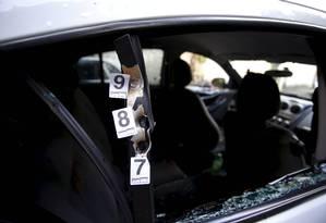 O carro onde estava a vereadora Marielle Franco, do PSOL, assassinada no Rio Foto: Pablo Jacob