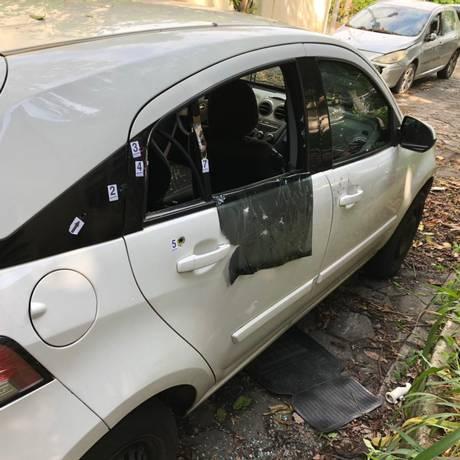 Carro onde a vereadora Marielle Fraco estava quando foi executada Foto: Maurício Ferro / O Globo
