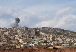 Enclave curdo de Afrin cercado por forças turcas. Bombardeios recentes mataram 18 civis Foto: STRINGER / AFP