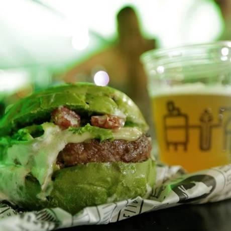 Sanduíche no pão verde do Downtown Foto: Divulgação